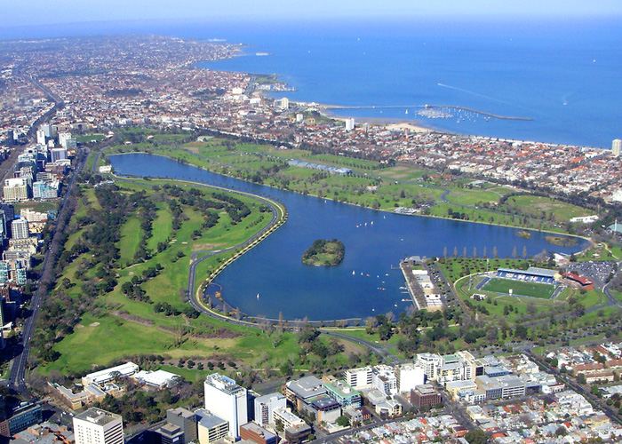 VaporFi Australia -  Best Parks in Melbourne: Albert Park Lake